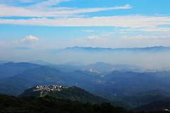 (Singer ) Tags: sky mist building fog clouds canon taiwan villa taipei        seaofclouds                canon550d singer singer186