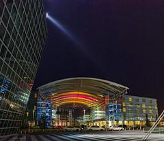 Farben in der Nacht (Helmut Reichelt) Tags: leica panorama germany münchen bayern deutschland bavaria airport explore flughafen muc m9 kempinski voigtlandernokton35mmf14sc colorefexpro4