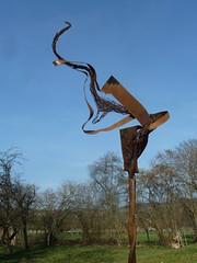 Fischwarm skulptur (mo_metalart) Tags: schrottskulptur mometallkunst nagelskulptur recyclingskulptur skulpturausnägeln skulpturfürgarten gartenkunstwerk