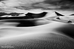 Mesquite Dunes, Black and White (moe chen) Tags: shadow white black clouds death sand dunes shapes textures mesquite valley moe ripples chen