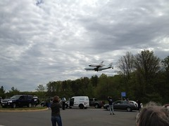 Coming in for landing (thinkgeekmonkeys) Tags: nasa shuttle discovery thinkgeek udvarhazy ov103 spottheshuttle