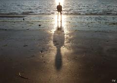 Inspiring (Amiela40) Tags: storm love vent hand god song main bono winds tides chanson dieu holdon tempête drowningman tightly