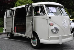 VW bus (D70) Tags: canada bus vw volkswagen bc burnaby type2 ironmen shownshine willingdon