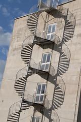 Escalera de ADN (Enri_queta) Tags: campus university dijon burgundy sombra ub espiral escaleras adn cadena nikond3000