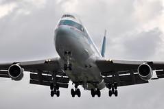 [15:23] CX0257 HKG-LHR. (A380spotter) Tags: approach arrival finals shortfinals boeing 747 400 bhox cathaypacific cathaypacificairways cpa cx cx0257 hkglhr runway27r 27r london heathrow egll lhr