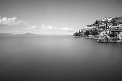 Anguillara e il Lago di Bracciano (luigig75) Tags: longexposure italy white lake black canon lago italia bianco nero anguillara 1022 sabazia lazio hoya bracciano nd400 70d efs1022mmf3545usm 141i