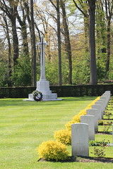 The Arnhem Oosterbeek War Cemetery. (Seckington Images) Tags: flickr ww2