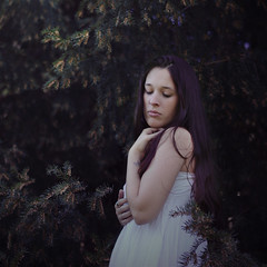 La foret (Lara Garca Corrales) Tags: portrait woman naturaleza green nature forest myself natural tenderness