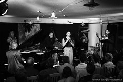 Lia Pale feat. Mario Rom (jazzfoto.at) Tags: sony upperaustria sonyalpha jazzphotos jazzphoto jazzfoto jazzfotos wwwjazzfotoat markuslackinger fornach walterstruger gasthauslohninger musikbeimwirt sonyalpha77ii alpha77ii httpwwwghlohningerat fornachobersterreich