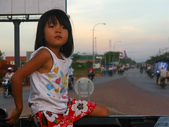 (Kelly Rene) Tags: city people urban girl cambodge cambodia southeastasia khmer child traffic outdoor dusk kh battambang indochina krongbattambang