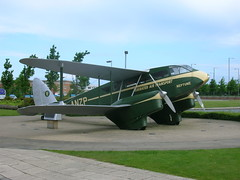Dragon Rapide (Isle Drive) Tags: liverpool dragon aircraft rapide speke