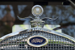 Vintage Ford (www.chriskench.photography) Tags: travel classic ford car vintage schweiz switzerland europe suisse vehicle fujifilm bern motor interlaken ch 18135 xt1 kenchie wwwchriskenchphotography