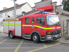 Offaly Fire & Rescue Service / OY 13 A1 / 02 OY 304 / Mercedes Benz Atego / WrL (Nick 999) Tags: clara blue rescue station fire lights mercedes benz 1 oscar call 02 vehicle service a1 alpha emergency 13 yankee firefighters oy 999 sirens 304 offaly callsign lightbar atego wrl retained