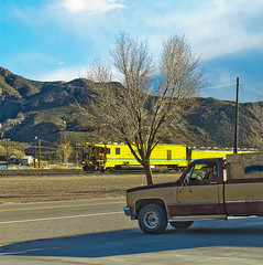 pick up and train, Caliente (philippe*) Tags: usa nikon nevada d2x caliente