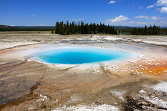Prismatic Springs (andrewpug) Tags: park blue water springs yellowstone prismatic prismaticsprings