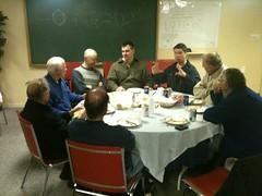 "Les bénévoles au diner. • <a style=""font-size:0.8em;"" href=""http://www.flickr.com/photos/78415421@N08/7179050342/"" target=""_blank"">View on Flickr</a>"
