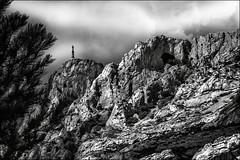 Vnrable provenale (vedebe) Tags: bw france monochrome montagne sainte noiretblanc nb provence paysages victoire netb