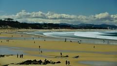 Playa de Loredo y Somo (Cantabria), con nieve en los altos (juancarlosbarbavillamor) Tags: nikonflickraward flickr 28300f3556 flick nikond810