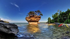 There's A Little Slice Of Paradise Hiding Right Here In Michigan... And You'll Want To Visit (michiganapparelts) Tags: paradise little michigan visit right here want slice and to hiding theres youll in a of livnfreshcom