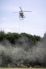 Waldpflege mit Helicopter  Kalkung (G.Hoelzel) Tags: helicopter wald hubschrauber heilbronn wrttemberg forst neckarsulm meravo oedheim degmarn waldpflege kalkung aspenloch