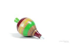 Trompo 101 a wm (L Urquiza) Tags: life table toy still top minimalist juguete bodegon trompo