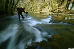 Guy faisant une photo d'un  nassi sur le Lison (francky25) Tags: guy photo le sur une dun doubs lison comté franche nd64 nassi faisant saraz