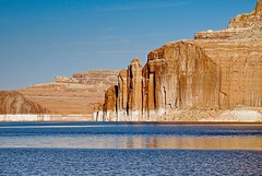 LAKE POWELL (bydamanti) Tags: landscapes utah lakepowell glencanyon lakesrivers utahlandscapes 1802000mmf3556 mountainscanyons
