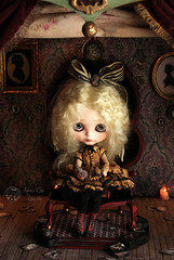 "At the end you can see ""the light"" (Rebeca Cano ~ Cookie dolls) Tags: art doll unique bernadette silhouettes blythe piece dame cookiedolls rebecacano"
