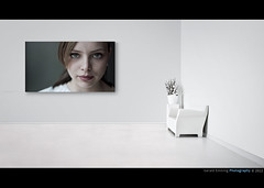 A Stranger in the White Room (Geraldos ) Tags: portrait woman white girl beautiful beauty look thanks museum 50mm licht hall eyes nikon mood chica natural expression interior space interieur raum room streetportrait naturallight stranger clean solo looks sauber mooi bella groningen ogen augen wit weiss vrouw blik mdchen ragazza desconocido d800 streetshot kamer puur sconosciuto intenselook carlzeiss onbekende naturel expressie intens meid bedankt unbekannter vreemde espressione mdel drentsmuseum natuurlijklicht geraldos natrlicheslicht jongevrouw geraldemming carlzeiss50mmplanart vooruwtijd thanksforpassingby 30secondsproject