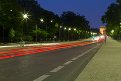 M39767_Avenue-Foch_Paris (aamengus) Tags: paris france night haussmann tripod may mai nuit arcdetriomphe etoile 2012 ef50mmf14usm avenuefoch trpied xvie eos7d