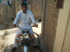 faheem on mamoo master bike (FAHEEM1982) Tags: mobile desi saleem jeddah geo kaleem irfan faheem chatwal atiq talagang tehi chakwal lohaar jasial dhrabi kotsarang