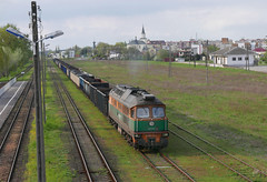 There once must have been better days of Hajnowka railway station (roomman) Tags: old church station yard train br village russia background centre poland railway cargo ddr 1970 coal russian heavy freight gdr built 232 ludmilla 640 pkp shunter 2016 kolomna shunt hajnowka 3640 baureihe railpolska 640044 3640044