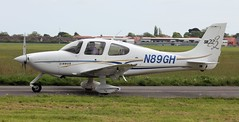 Cirrus SR-22 N89GH Lee on Solent Airfield 2016 (SupaSmokey) Tags: lee solent cirrus airfield sr22 2016 n89gh
