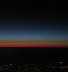 Twilight over the East Coast of the US (Monceau) Tags: blue atlanta red sky orange usa colors horizontal flying twilight aerial stardust eastcoast odc 124366