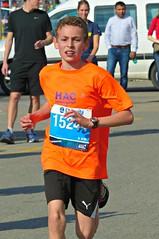 Flashy (Cavabienmerci) Tags: boy sports boys sport kids race children schweiz switzerland kid  child suisse marathon running run course runners pied runner genve laufen 2016 lufer lauf coureur coureurs