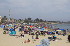Crowded beach (quinn.anya) Tags: santacruz beach crowded boardwalk