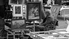 Knstler im Ruhestand // Artist Retired (#RustyNail Photography) Tags: old bw white man black photoshop canon stuttgart alt nail rusty blumen grandpa adobe mann tamron opa schwarz bnw bilder lightroom karlsplatz rustynail weis charlottenplatz 650d lohmarkt