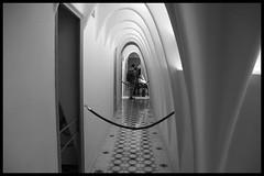 Prospettive (cicciobaudo) Tags: casa bianco nero barcellona batllo eixample