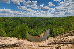 Horseshoe overlook (Notkalvin) Tags: forest river sand woods outdoor michigan meander lookingdown overlook kayaks manistee lookingout wellston pineriver manisteenationalforest mikekline notkalvin notkalvinphotography