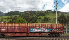 0274_2016_05_17_Österreich_St._Johann_im_Pongau_Graffiti_ÖBB_1016_022_mit_gem_Güterzug_Schwarzach (ruhrpott.sprinter) Tags: railroad salzburg train germany logo deutschland graffiti austria österreich diesel natur eisenbahn rail zug istanbul cargo berge 186 stadt nrw passenger alpen lm fret gelsenkirchen ruhrgebiet freight öbb locomotives lokomotive stjohann pongau 1016 seekirchen sprinter ruhrpott güter 1144 1686 4023 lokomotion reisezug netlog lichtsignale ellok salzburgtirolerbahn intercombi