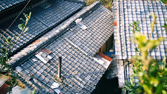 Rooftops, Ishikiri (Eric Flexyourhead (shoulder injury, slow)) Tags: old houses roof house rooftop japan japanese traditional tiles   osaka 169 kansai kawara higashiosaka ishikiri  higashiosakashi    panasoniclumix20mmf17 olympusem5