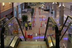 Down from Ticketing to Arrivals / Ground Transportation (AndrewC75) Tags: new atlanta airplane airport atl aviation escalator terminal jackson international holbrook maynard arrivals transporation hartsfield ticketing