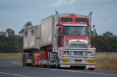 Road Train (quarterdeck888) Tags: nikon flickr transport frosty lorry trucks armitage tractortrailer tippers haulage quarterdeck newellhighway semitrailers bdouble highwaytrucks armytage d5100 worldtruck jerilderietrucks