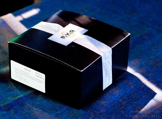 BOX11 048