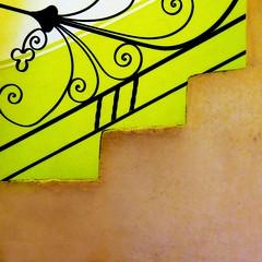 whimsical rail (msdonnalee) Tags: architecture stairs mexico arquitectura iron wroughtiron steps stairway treppe escalera mexique scala escada ironwork escalier bannister mexiko treppen escala 階段 лестница سلالم photosfromsanmigueldeallende fotosdesanmigueldeallende