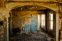 living room (Sam Scholes) Tags: old blue windows wallpaper house abandoned window yellow digital rural utah beige decay tan dirty livingroom weathered peelingpaint decrepit damaged parlor rubble hiawatha d300 kingcoal usfco unitedstatesfuelcompany