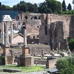 "Roman Forum <a style=""margin-left:10px; font-size:0.8em;"" href=""http://www.flickr.com/photos/14315427@N00/7186118495/"" target=""_blank"">@flickr</a>"