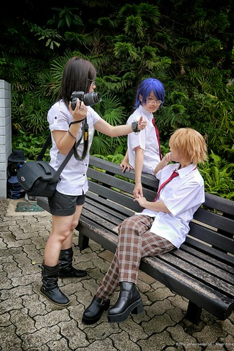 Cosplay photoshoot in the park - it is important to get the perfect composition