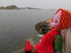 Looking (Helena / Funny Bunny) Tags: vintage göteborg doll 1972 illuminati luma reroot brännö funnybunny södraskärgården emeraldwitch 20120616 fbfashion
