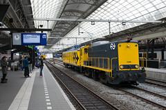 SHD 2205 + CTO-Meetrijtuig te Amsterdam CS, 25-05-16 (Pieter Plas) Tags: 2205 cto shd